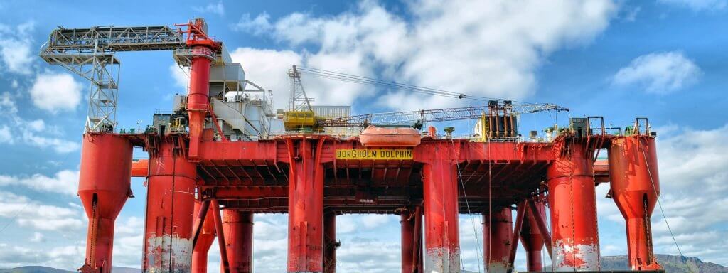 offshore oil rig drilling for crude oil